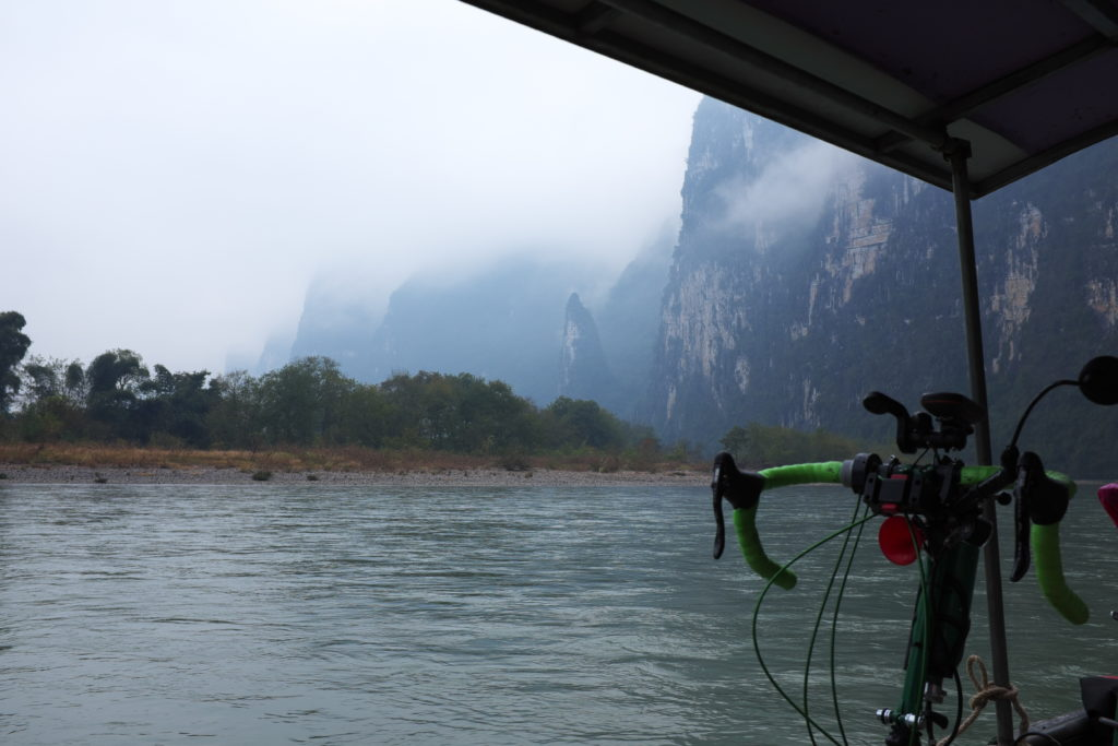 Auf dem Liyiang bei Guilin