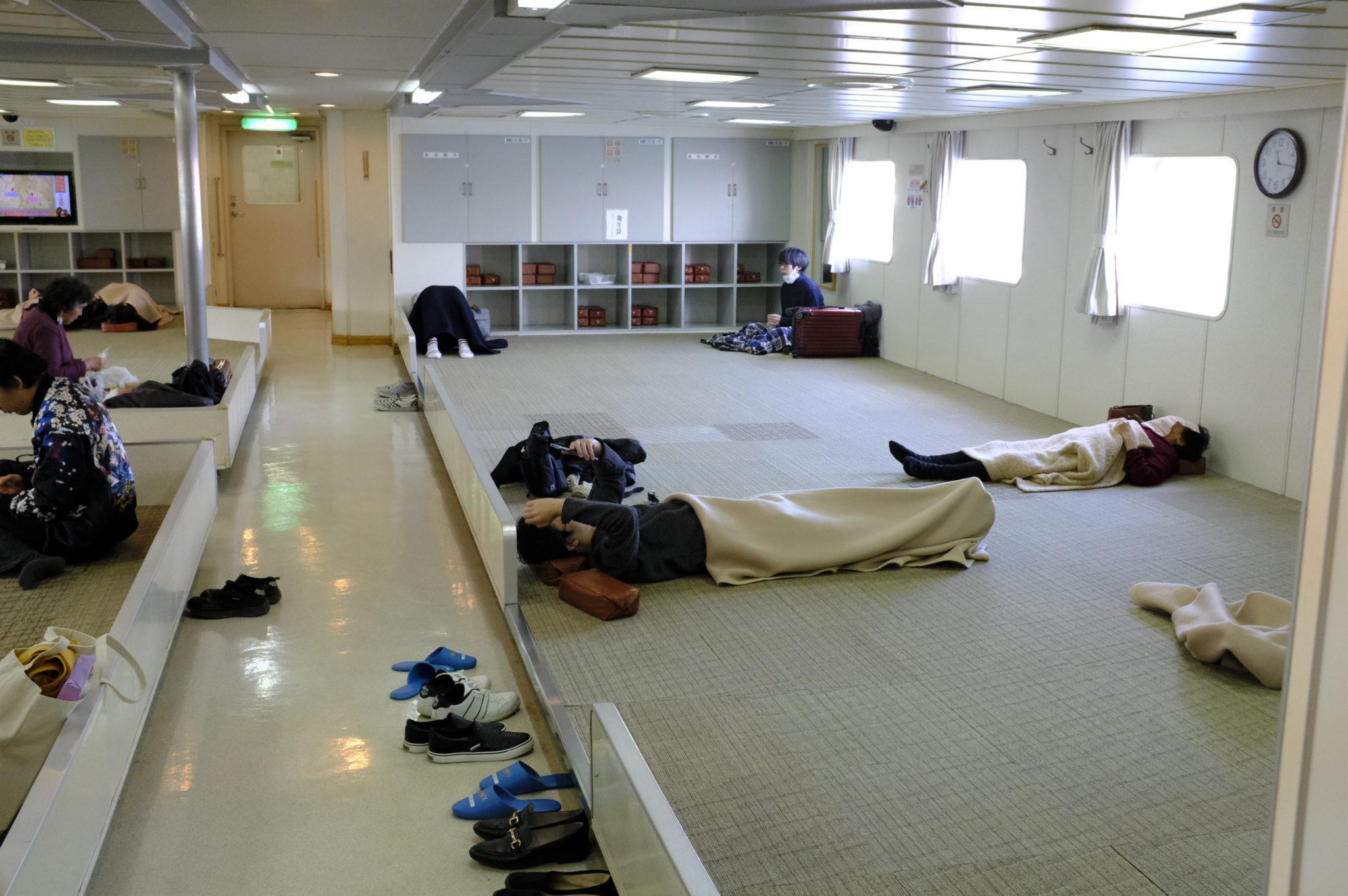 Immer wieder entspannend: die japanischen Fähren